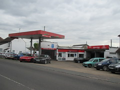 Holliday & Neale MOT Test Centre (Pillbox finder) Tags: hollidayneale mottestcentre texaco paraffin