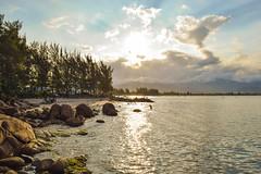 Ponta do Papagaio (crismdl) Tags: beach brasil brazil brésil camping mar mer motorhome oceano plage pontadopapagaio pordosol praia praiadosonho pôrdosol santacatarina sc standuppaddle sunset