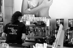 Café do Teatro, Funchal (herbert@plagge) Tags: cafédoteatro funchal madeira portugal blackandwhite coffeehouse coffeebar