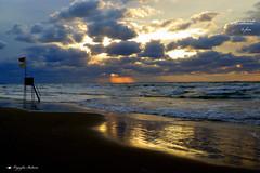 SUNSET ! (Salvatore Lo Faro) Tags: mare sole nuvole nubi cielo rosso blu spiaggia riflessi onde gargano rodi puglia italia italy salvatore lofaro canon g16