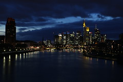 IMG_5956 (AndyMc87) Tags: frankfurt skyline longtimeexposure langzeitbelichtung lightstreams lighttrails blue hour sky clouds sunset water main river stream reflection wet lights tower skyscraper canon eos 6d l