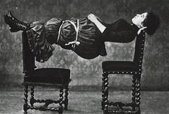 Anglų lietuvių žodynas. Žodis planking reiškia n 1) (grindų) lentos; 2) apmušimas lentomis lietuviškai.