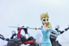 Elsa Figma (PlasticGiraffe) Tags: toyphotography toy toypics toyart toys acba japanese japanesetoys figma elsa frozen disney disneyfrozen
