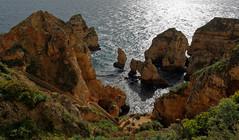 LES FALAISES DE LAGOS AU PORTUGAL (Odile ENTRE MER ET MONTAGNE) Tags: portugal lagos falaises mer sea seascape paysage