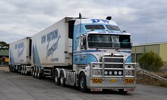 Watson (quarterdeck888) Tags: trucks transport semi class8 overtheroad lorry heavyhaulage cartage haulage bigrig jerilderietrucks jerilderietruckphotos nikon d7100 frosty flickr quarterdeck quarterdeckphotos roadtransport highwaytrucks australiantransport australiantrucks aussietrucks heavyvehicle express expressfreight logistics freightmanagement outbacktrucks truckies roadtrain tridolly k200 kenworth watson watsontransport donwatson fridgevan fte