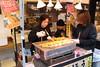 036A0813 (zet11) Tags: tsukiji nippon fish port market japan tokyo japenese owocemorza ryby sushi ludzie ulica