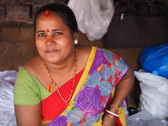 Kolkata - Woman (sharko333) Tags: travel voyage reise street india indien westbengalen kalkutta kolkata কলকাতা asia asie asien people woman portrait vendor olympus em1