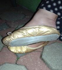 Gigi (2572) (Duke of Slippers) Tags: ballet slippers shoes flats pumps mules slides ballerinas fetish