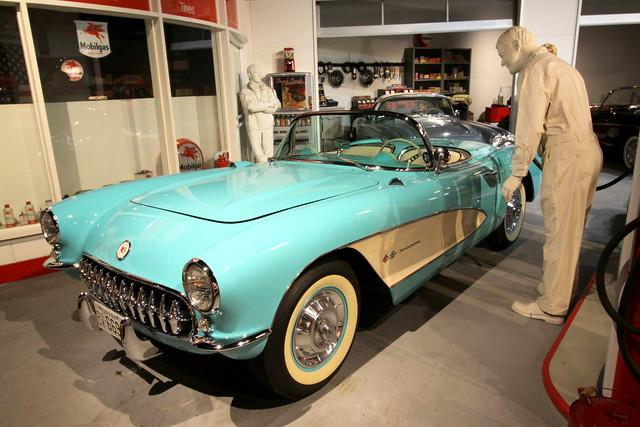 National Corvette Museum: 1957 Corvette
