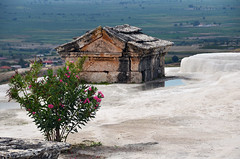 Hierapolis (ladigue_99) Tags: turkey tomb sarcophagus necropolis pamukkale anatolia thermalbaths denizli kapadokya hierapolis calciumdeposit ladigue99 geothermalhotsprings