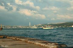 * (hiba_safwan) Tags: morning sea summer cloud tree canon turkey istanbul bosphorus مسجد جمال غيوم طبيعة بحر اخضر كورنيش اسطنبول تركيا ازرق 100d كانون البوسفور