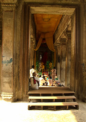 temple hallway (HACHIMAN.) Tags: travel photography cambodia kambodscha khmer documentary angkorwat siemreap