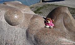 O Grove, Galicia, España (Caty V. mazarias antoranz) Tags: españa woman mujer spain galicia desnudo enpelotas mujerdesnuda bestgroup o´grove cuerpodemujer despelotada portofogrove portsinspain portsofgalicia estatuaseno´grove esculturaseno´grove