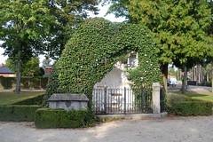 Sint-Annakapel, Lille (Erf-goed.be) Tags: geotagged lille antwerpen kapel archeonet sintannakapel lourdesgrot geo:lat=512434 geo:lon=48235