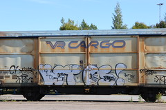 bombing freights (Thomas_Chrome) Tags: up train finland graffiti moving europe tag cargo target freight bombing throw vr bombed throwup