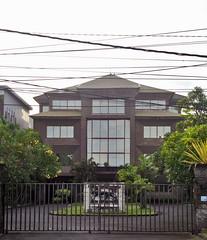 Kantor Perusahaan Garmen (Ya, saya inBaliTimur (leaving)) Tags: denpasar bali building gedung architecture arsitektur office kantor