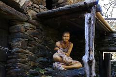 Val d'Aosta - Valle di Gressoney: Perloz, Chemp: la ballerina (mariagraziaschiapparelli) Tags: valdaosta valledigressoney camminata montagna mountain allegrisinasceosidiventa autunno chemp perloz monterosa villaggio frazione