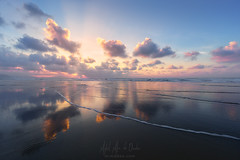 nubes (Mimadeo) Tags: clouds cloud reflection reflections beach sunset dreamy ethereal blue shore sea ocean water beautiful sky landscape seascape