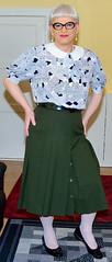 Ingrid023985 (ingrid_bach61) Tags: pleatedskirt faltenrock buttons knöpfe blouse bluse peterpancollar bubikragen mature