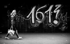 161? (Sven Hein) Tags: frau menschen leute strasse frühling schwarzweiss strassenfotografie 161 woman people street streetlife graffito graffiti spring bw blackandwhite candid streetphotography sony rx100m3 rx100iii