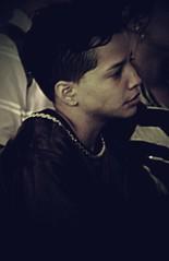 (Aaron Montilla) Tags: aaronmontilla 2017 nazarene nazareno documentaryphoto fotografiadocumental boy chico promise promesa canonrebel 110 iso3200 violet violeta yellow amarillo cord cordon