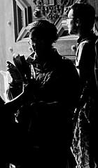(Aaron Montilla) Tags: aaronmontilla 2017 bkackwhite blancoynegro people gente backlight contraluz door puerta hand mano girl chica palms palmas easterweek semanasanta boy chico bw byn light luz religioussymbols simbolosreligiosos traditions tradiciones catholics catolicos streetphotography fotodecalle fotografiacallejera documentaryphoto fotografiadocumental fineartphotography fineart fotografiadeautor blackwhitephotography fotografiabancoynegro iso3200 canonrebel t1i 500d f56 95mm 150 eos ef75300 75300eos 75300