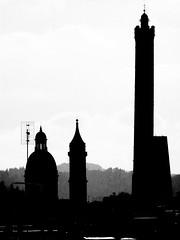 Towards the sky (magellano) Tags: bologna italia torri towers asinelli garisenda cupola dome chiesa church basilicadeisantibartolomeoegiacomo campanile