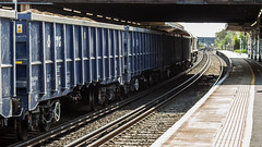 JNA 81 70 5500 318-7 (JOHN BRACE) Tags: jna 81 70 5500 3187 vtg blue livery passing horley 1321 loaded sand train from cliffe brett marine crawley foster yeoman running 5 early