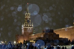 Snowlight (kevindalb) Tags: russia russie 2016 december dicembre decembre moscow moscou mosca kremlin cremlino winter inverno hiver night notte nuit neige neve snow mausoleo mausolee mausoleum