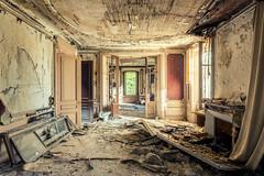 Dévasté (Photonirik) Tags: vert urbex decay urban exploration oblivion abandoned abandonné oubli forgotten ue dust