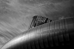 Bordeaux - La Cité du vin, 2017 (L'autre CtrlcCtrlv) Tags: bordeaux nouvelleaquitaine gironde bordeauxmétropole architecture bâtiment métal verre ciel nuages noiretblanc monochrome nb bw