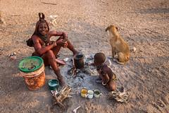 Making Porridge 8812 (Ursula in Aus) Tags: africa himba himbavillage namibia otjomazeva