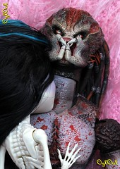 №437 (OylOul) Tags: 16 monster high doll skelita action figure hottoys predator