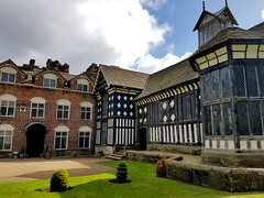 20170415_120123 (dkmcr) Tags: ruffordoldhall nationaltrust tudor heritage history lancashire daytrip attraction tourist rufford 15th april 2017 building