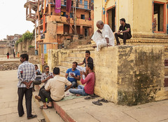 Lalitha Ghat (Nebelkuss) Tags: india asia uttarpradesh varanasi benarés ghats rio river ganges gente people fujixt1 fujinonxf18f2