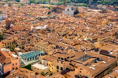 Florence from the rooftops (simonvaux1) Tags: florence italy duomo cathedral renaissance dome filippo brunelleschi santa maria del fiore gothic arnolfo di cambio romanci city colours vibrant designer beauty pretty sunny easter spring orange red simon vaux photography