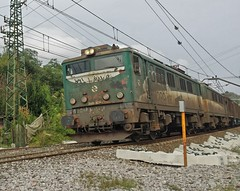 Tandem pasando por oiartzun (aitna17) Tags: train tren trenes tandem mitsubishi guipuzcoa 289 mercancias 289106 oiartzum