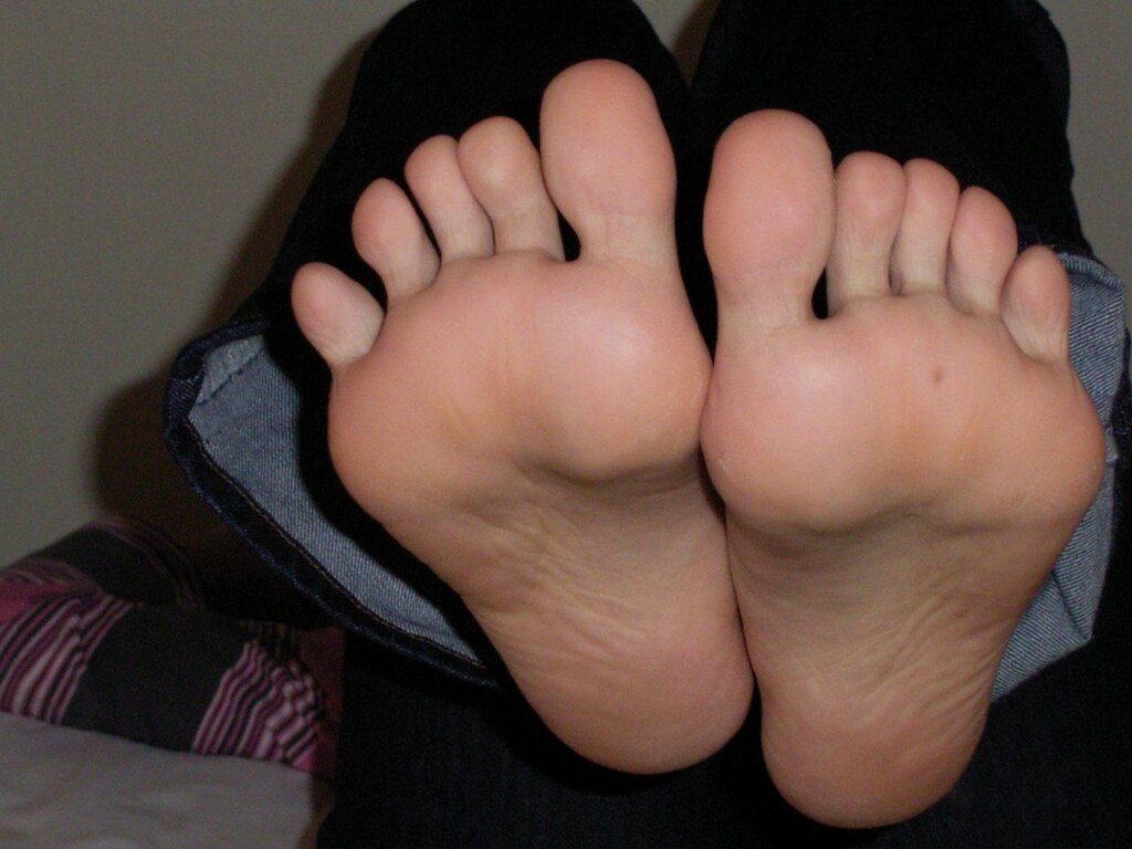 Sweaty mature asian feet