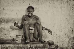 comunque esistere (mat56.) Tags: poverty africa street portrait white man black monochrome portraits monocromo strada live uomo senegal antonio ritratti bianco ritratto nero vita povert diourbel esistere mat56 romei