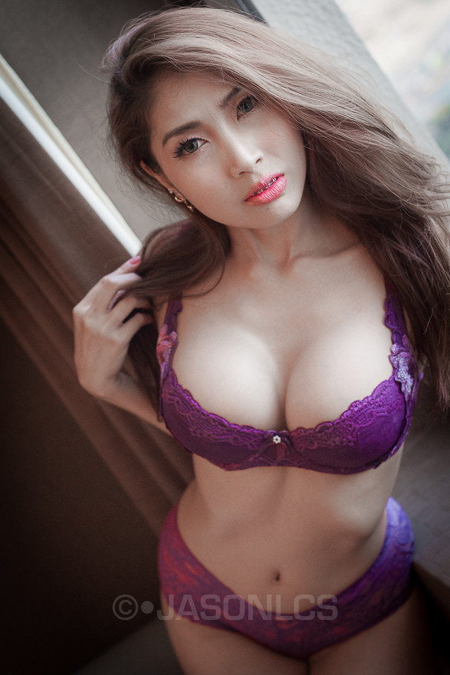 thai girl breast and nude