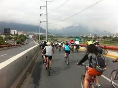 IMG_4111 (pueblobicicletero) Tags: santacatarina 2014 lahuasteca seguridadvial ciclismourbano sanpedrogarzagarca movilidadsostenible biciblanca parqueecolgicolahuasteca ciclismodeportivo