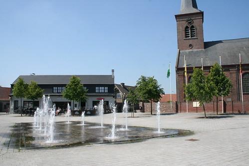 Poeke dorpsplein