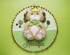 Enfeite de maternidade  Leão (Meia Tigela flickr) Tags: baby handmade artesanato lion artesanal craft quadro felt bebê quarto manual feltro decor decoração leão maternidade enfeite quartinho bastidor leãozinho feitoamão