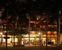 ABC Stores (Prayitno / Thank you for (11 millions +) views) Tags: beach shopping island hawaii waikiki oahu walk district abc hi honolulu stores convenience hnl beachwalk convenient konomark