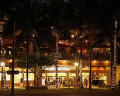 ABC Stores (Prayitno / Thank you for (11 millions +) views) Tags: beach shopping island hawaii waikiki oahu walk district abc hi honolulu stores convenience hnl beachwalk convenient konomark