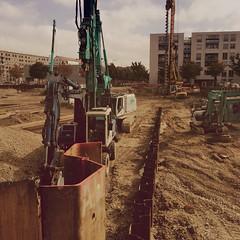 Fracking (Casey Hugelfink) Tags: constructionarea munich mnchen earthquake baustelle donnersbergerbrcke noise lrm neuhausen hllenmaschine fracking