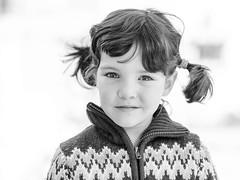 Helena (EDU S.G.) Tags: retrato portrait clavealta highkey blackandwhite d700 child niño niña blancoynegro