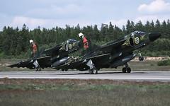 JA37 37354 42 F17 ESDF 110694 CLOFTING0233 P (Chris Lofting) Tags: ronneby ja37 viggen 37354 42 f17 swedishairforce