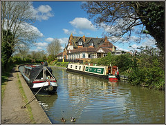 Grand Union Canal, Braunston (Jason 87030) Tags: rare pretty exclusive capture explore exist amazing pro amateur snap photo super great fantastic boathouse canalside moored towpath water canal guc grandunioncanal lunch jasmine april 2017 sky clouds ducks mallard birds reflection weather day tuesday pleasant nice leisure boats narrowboats scene cool crt