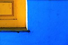 blue and yellow (Halit Volkan Cengiz) Tags: blue halitvolkancengiz canon eos yellow sarı mavi rodos orange